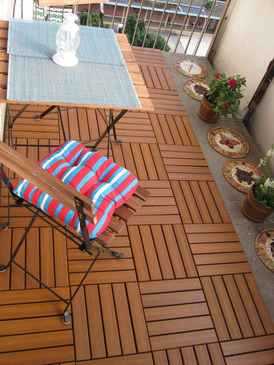 Small balcony patio decor this is from ikea i believe for Apartment balcony floor covering