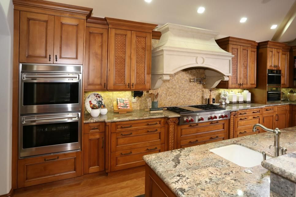 The home has the ultimate dream kitchen with a 6burner