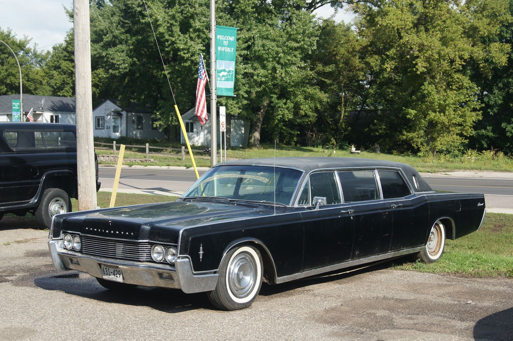 1964 lincoln continental presidential limo photo on june 28 2013 motor trend classic cars pinterest lincoln continental limo and cadillac