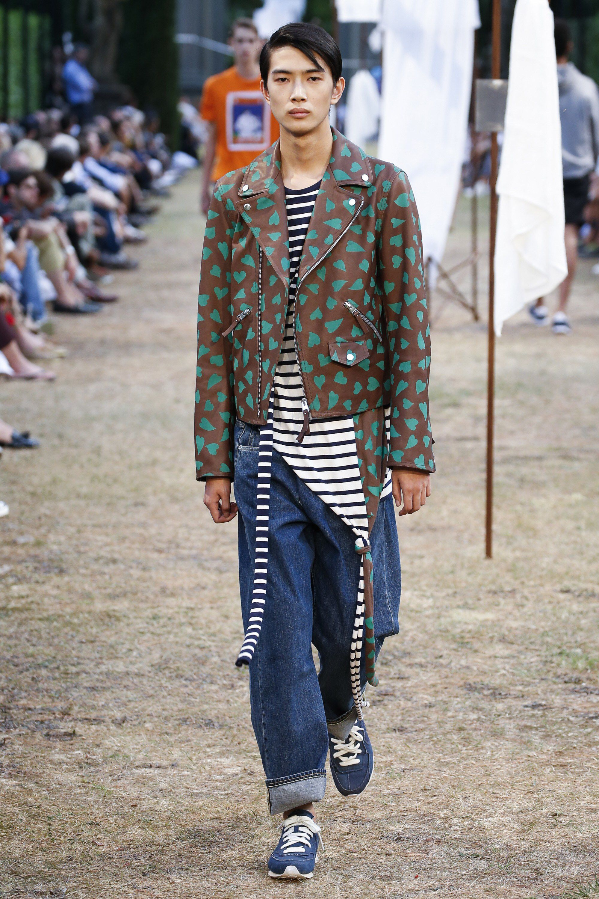 J.W.Anderson Spring 2018 Menswear Fashion Show Collection. Zippertravel. #DrStyle