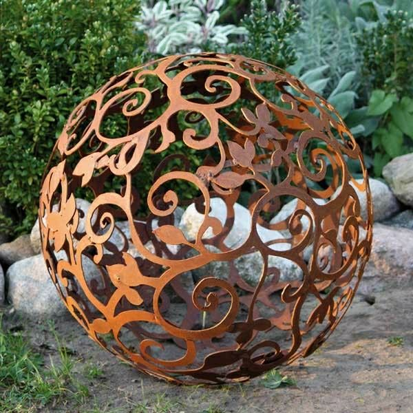decoration de jardin en metal rouille