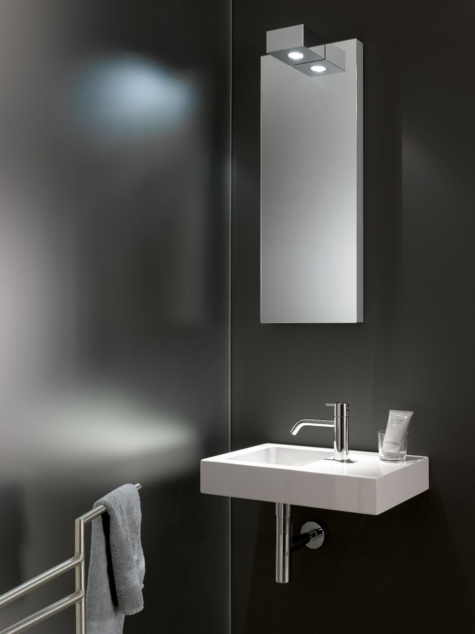 Badezimmer ideen klein grau so individuell kann klein sein  m gästewc  lodewick  herzberg