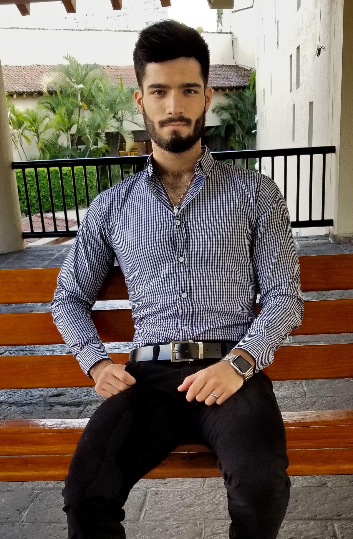 Outfit para hombre compuesto por camisa de mini cuadro ...