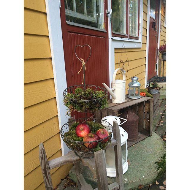 Ambienti dal gusto shabby e retr a casa di annika front for Ambienti esterni giardini