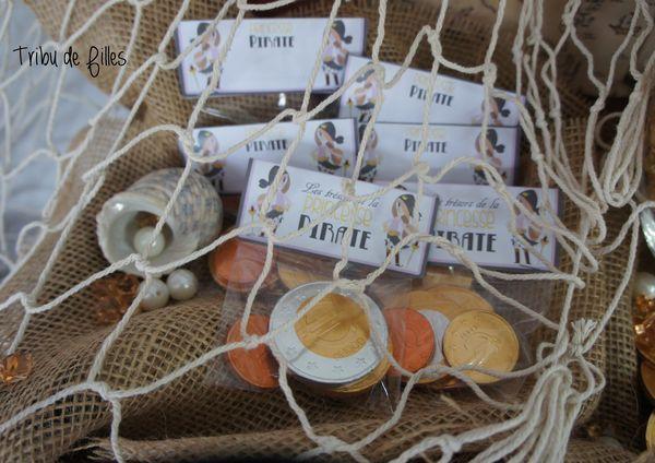 Une sweet table et une décoration sur le thème des avec Princesses pirates avec Tribu de Filles et Happy Paille