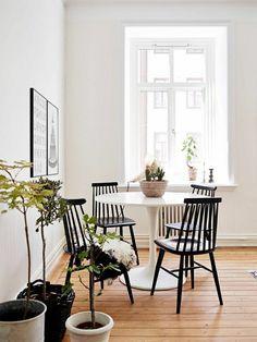 Une Table Tulipe Pour Votre Intérieur Moderne Sale à