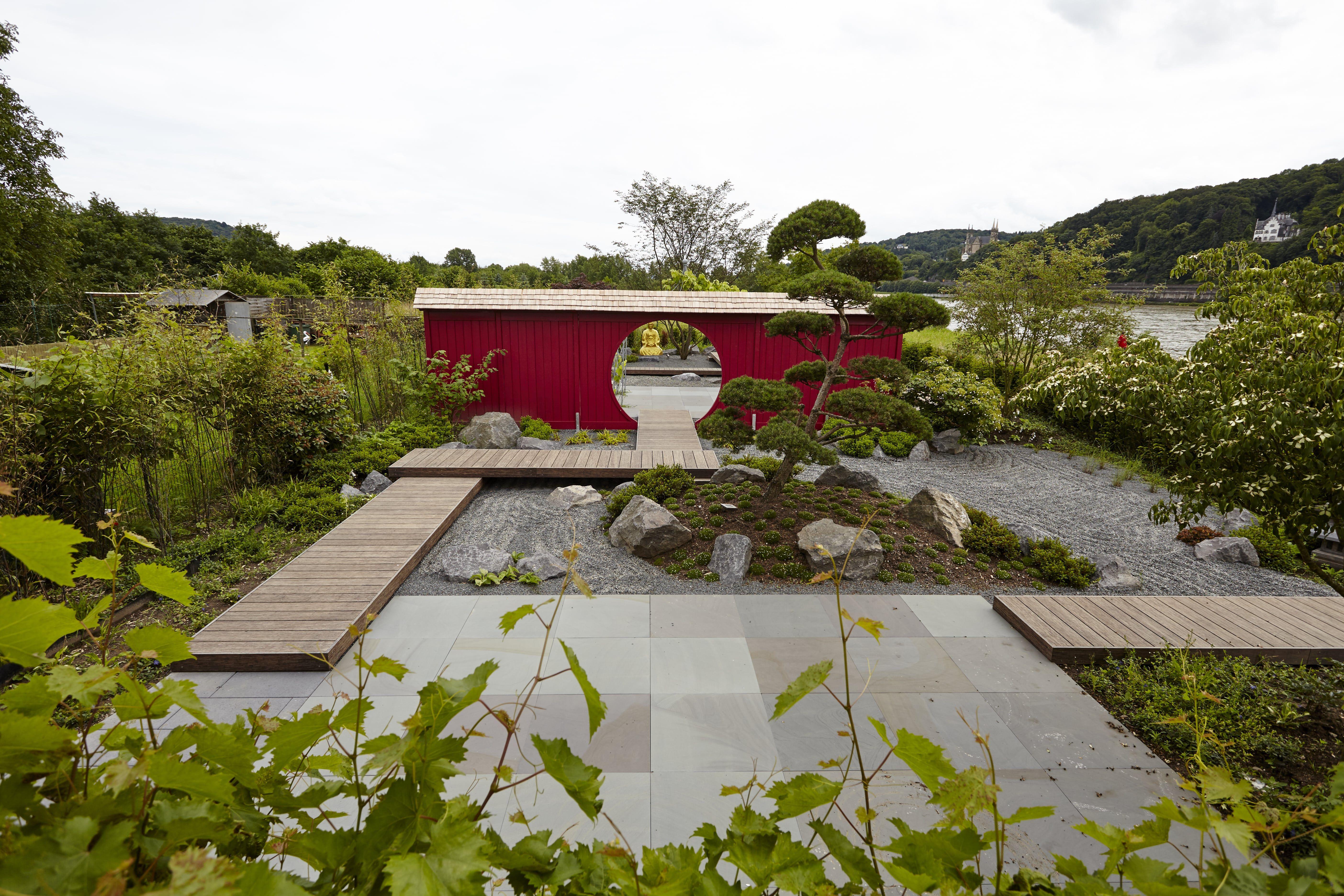 Japanischer Garten Mit Original Quirrenbach Grauwacke Moderner Garten Garten Gartengestaltung