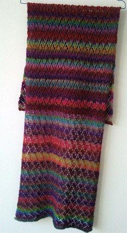Kunterbunt ein schal f r sommerabende stricken for Moderne schals stricken