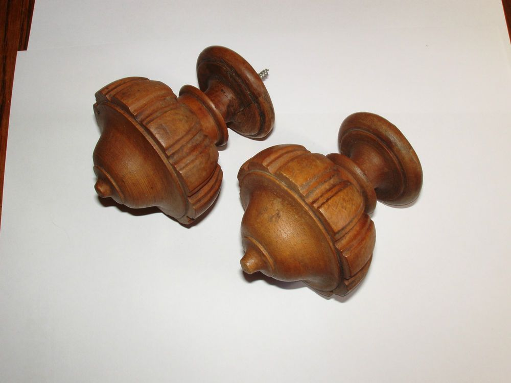 PAIR VINTAGE FRENCH WOODEN FINIALS  NEWELL POSTS / CURTAIN / FURNITURE OAK