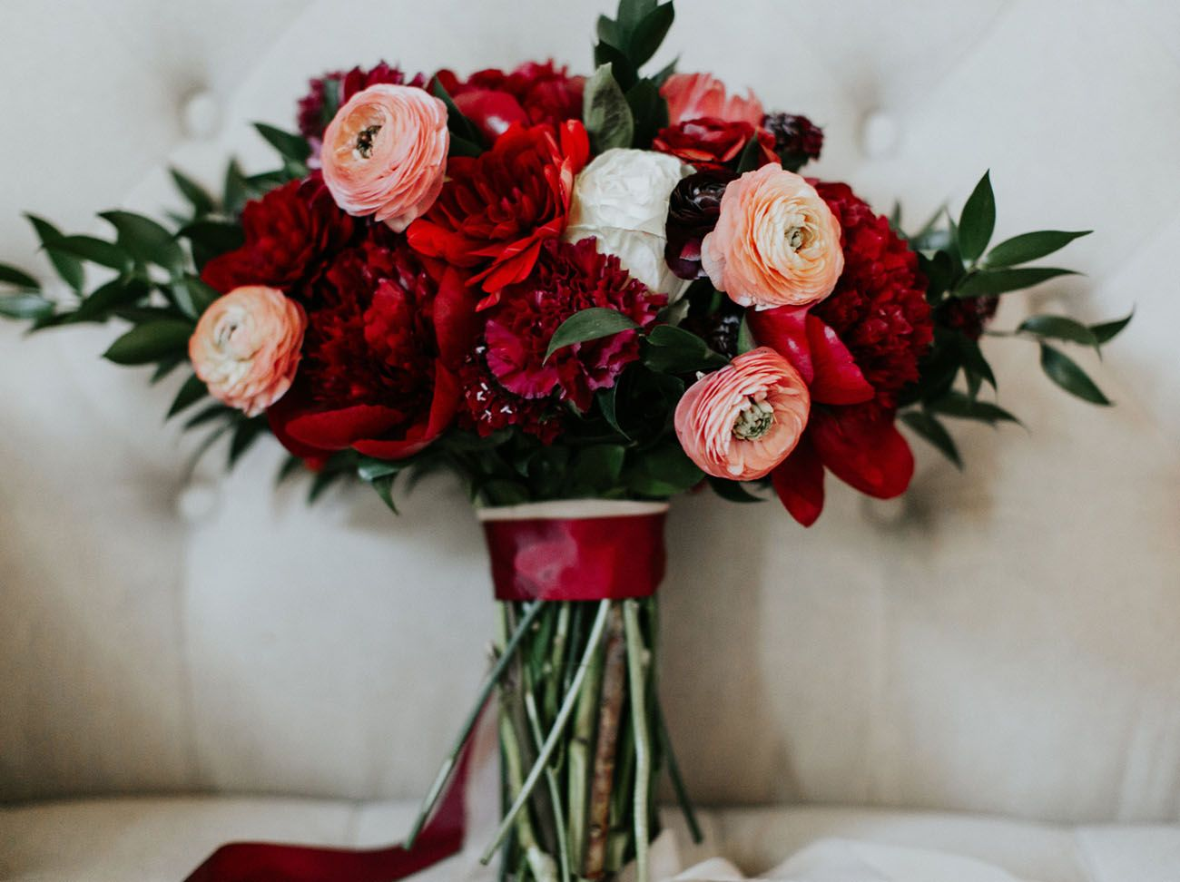 The Bridesmaids Wore Crimson At This Luxe Boho Wedding Green Wedding Shoes Red Bouquet Wedding Ranunculus Wedding Bouquet Red Bouquet