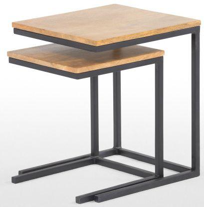Diese Beistelltisch sind clevere Platzsparer. Jeder bietet genug Abstellfläche für deine Tasse, ein Buch und eine Lampe. Der kleinere Tisch lässt sich leicht unter den größeren schieben, falls du etwas mehr Raum brauchst.