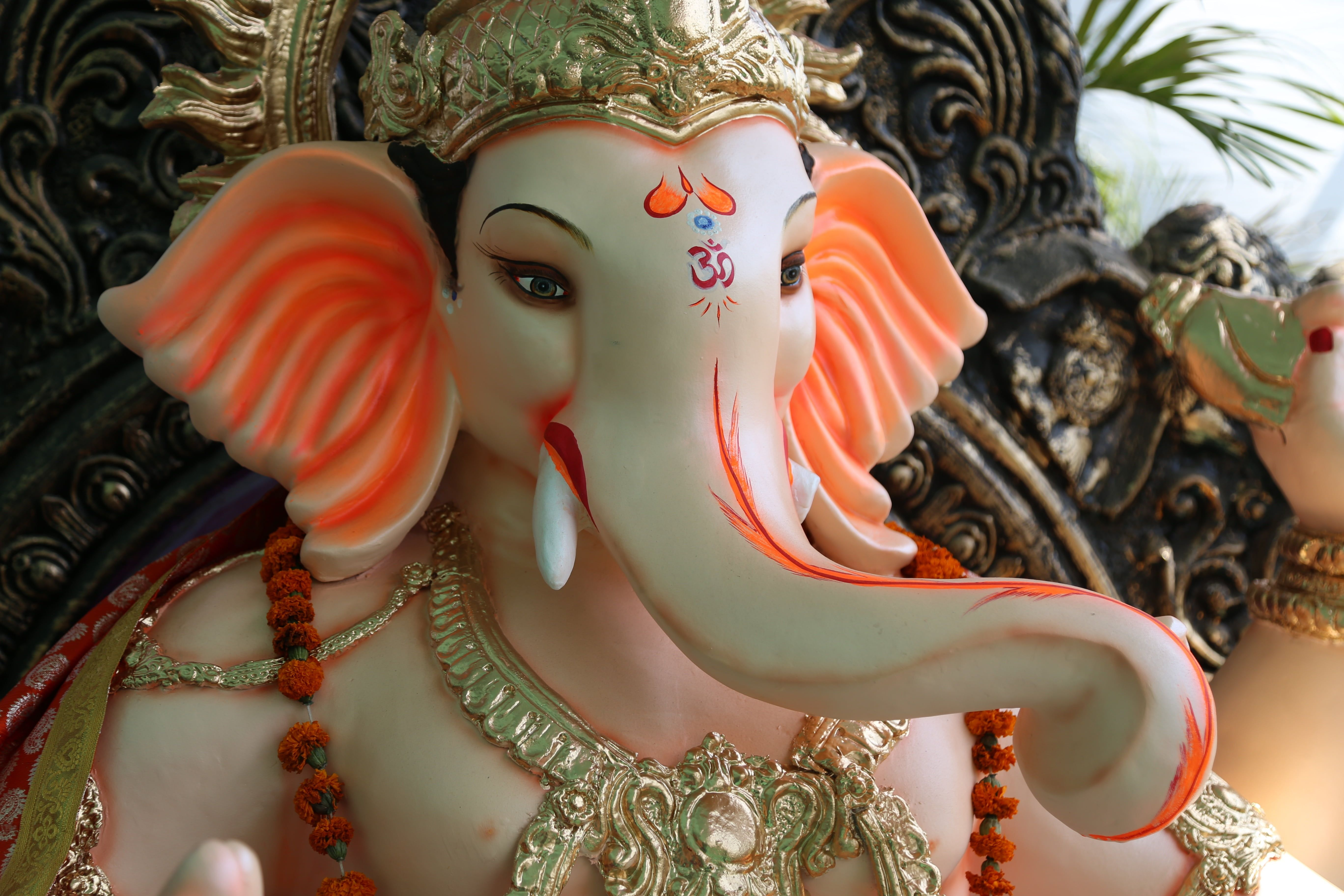 Lord Ganesha Statue Ganapati Ganesh Hindu Deity God Sculpture Dragon Animal Re Chaturthi Image Happy Images Essay On