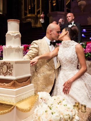 #Wedding cake ideas: Seven-tier cake from Faye Cahill