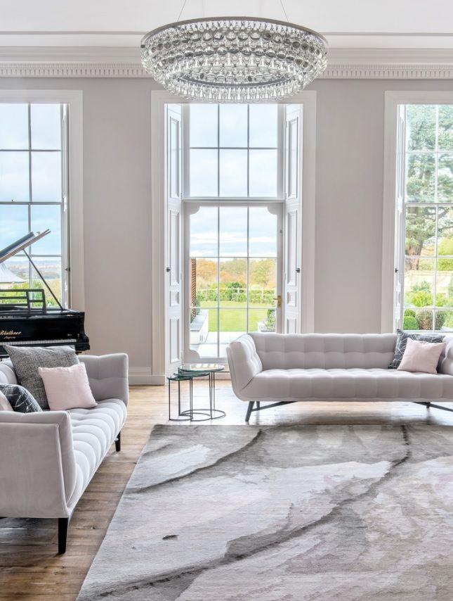 Roche bobois classique chic salon london united kingdom profile sofa designed by r - Salon roche bobois ...