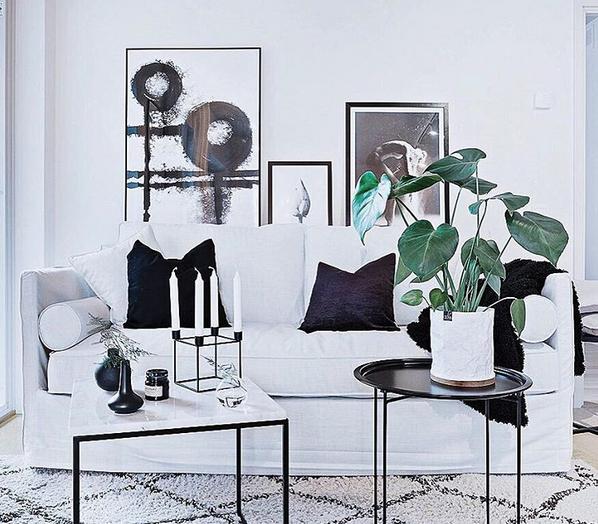 Vitt, mindre marmorbord med svart stålram Soffbord, hallbord, marmor, bord, möbler, inredning