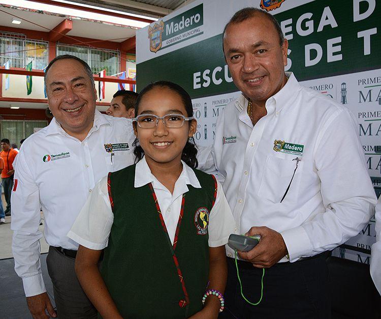Educación de Calidad.  http://ciudadmadero.mx/index.php/sala-de-prensa/historial-de-comunicados/1506-comunicado-1244-somos-permanentes-impulsores-de-la-educacion-de-calidad-en-ciudad-madero-erv