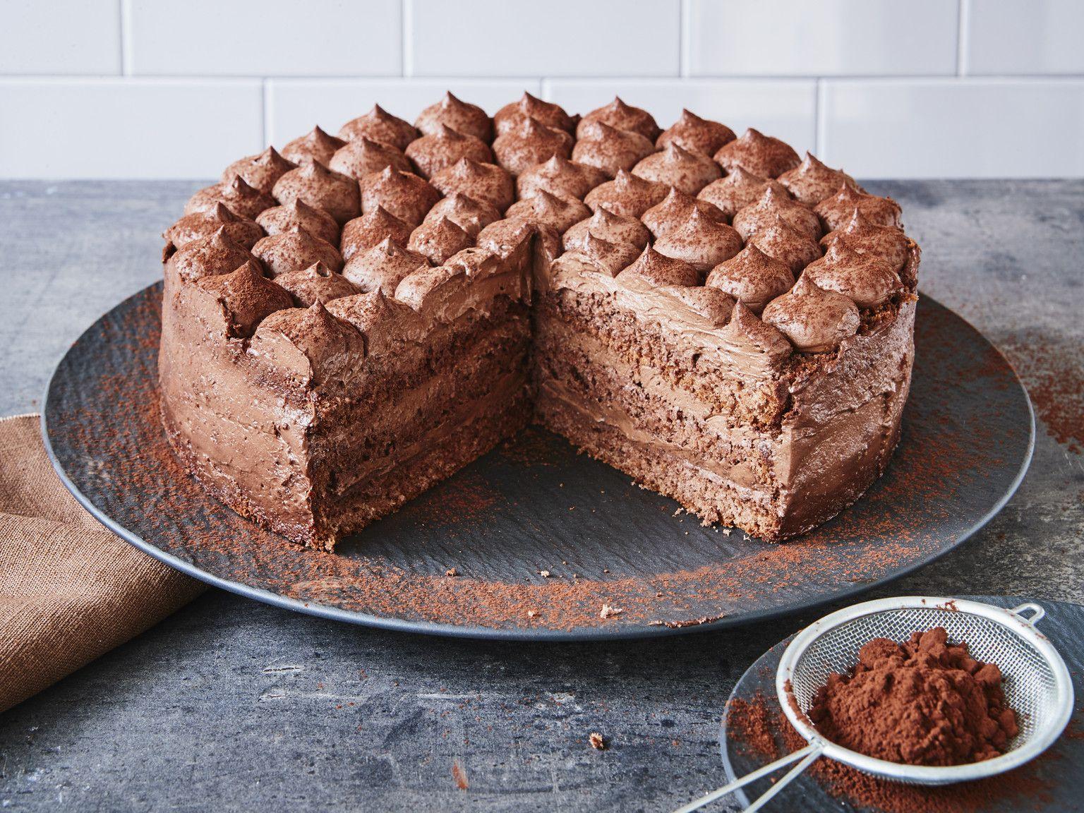 Schoko-Sahne-Torte - einfach selber machen   Die besten Backrezepte mit Gelinggarantie
