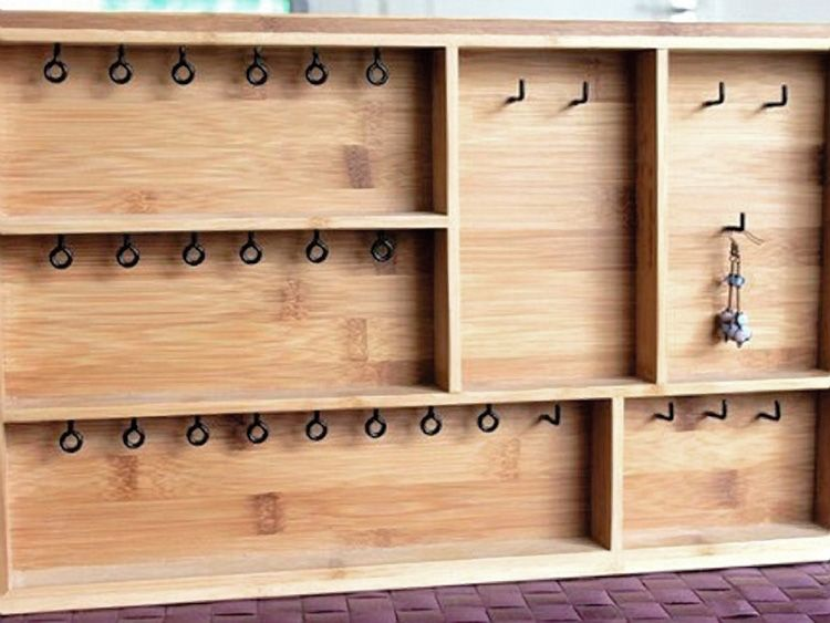 tutoriel diy fabriquer un pr sentoir bijoux via d co pinterest tutoriel diy. Black Bedroom Furniture Sets. Home Design Ideas