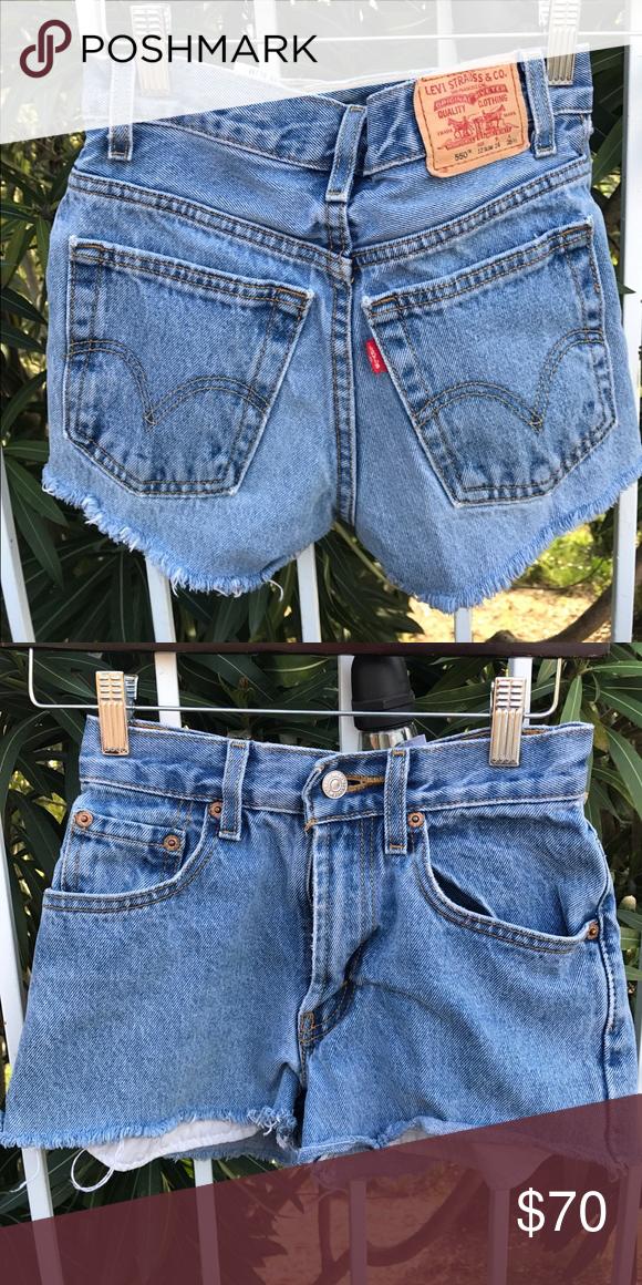 Short New Levi's Blue Jean Levi's, worn twice// 12 slim// 24     accepts offers Levi's Shorts Jean Shorts