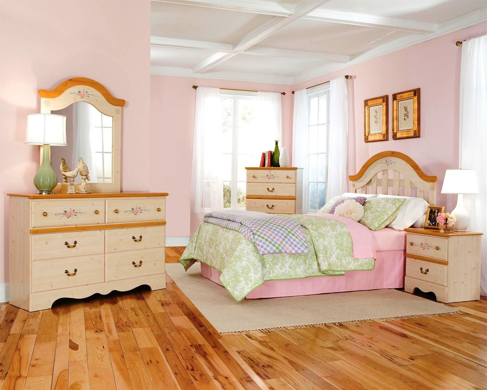 Princess Bedroom Designs Mesmerizing Do It Yourself Disney Princess Bedroom Makeover  Training4Green Design Ideas
