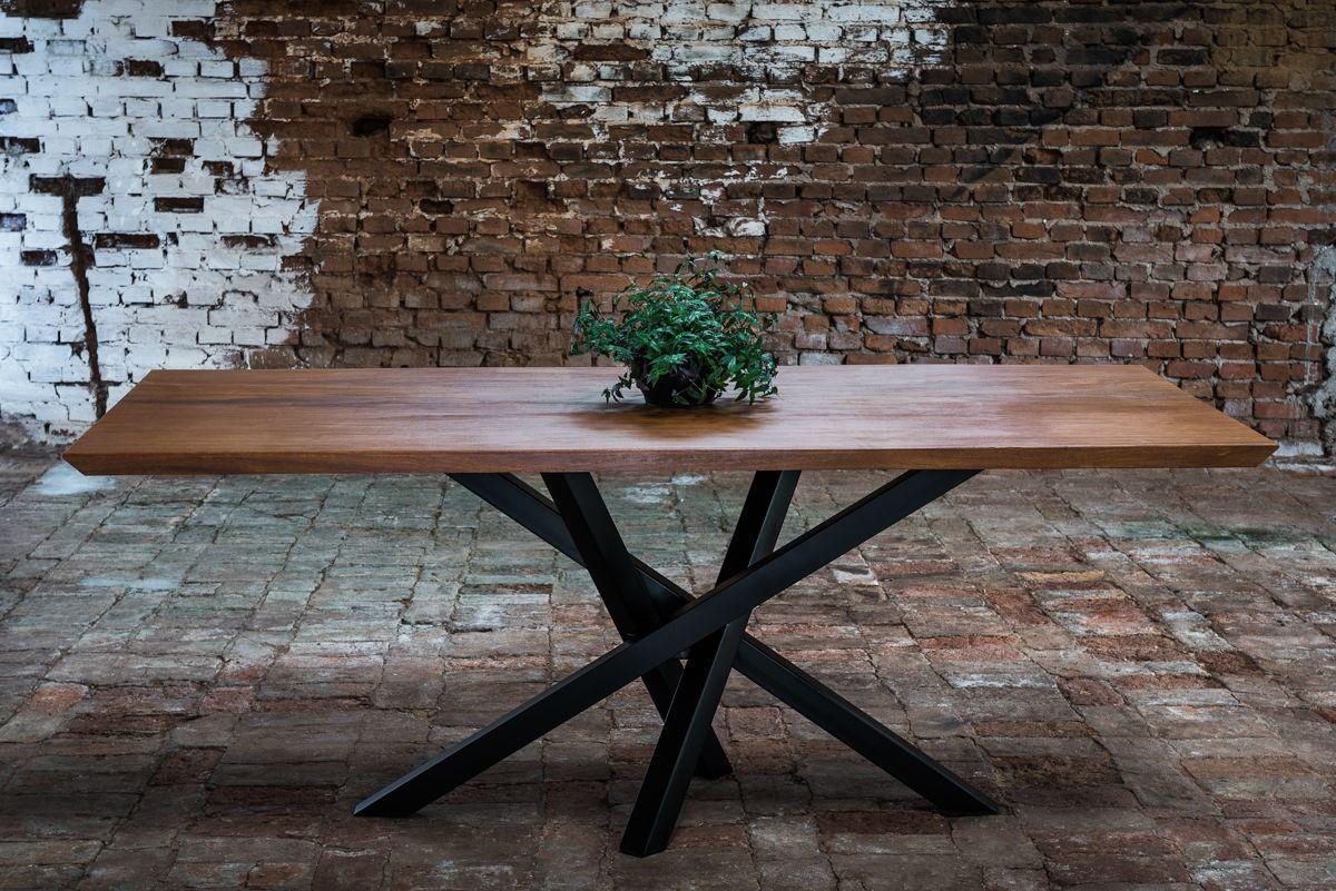 Mesa De Jantar Com 8 Lugares Sua Base Em Ferro Entrelacados E