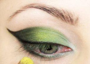 أجمل عيون 2016 باللون الأخضر عين 2016 بروعة اللون الأخضر سحر عينيك بلون اخضر Makeup Perfume Wall