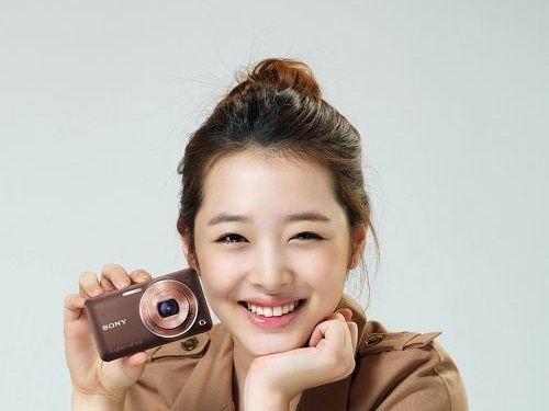 9位擁有可愛笑眼的kpop Idol Seoulsunday Com Sulli Fashion Film Matryoshka Doll
