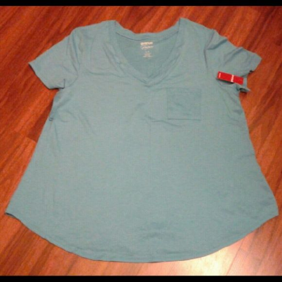 T-shirt Avenue Pocket tee  New with tags  Size XL Tops Tees - Short Sleeve