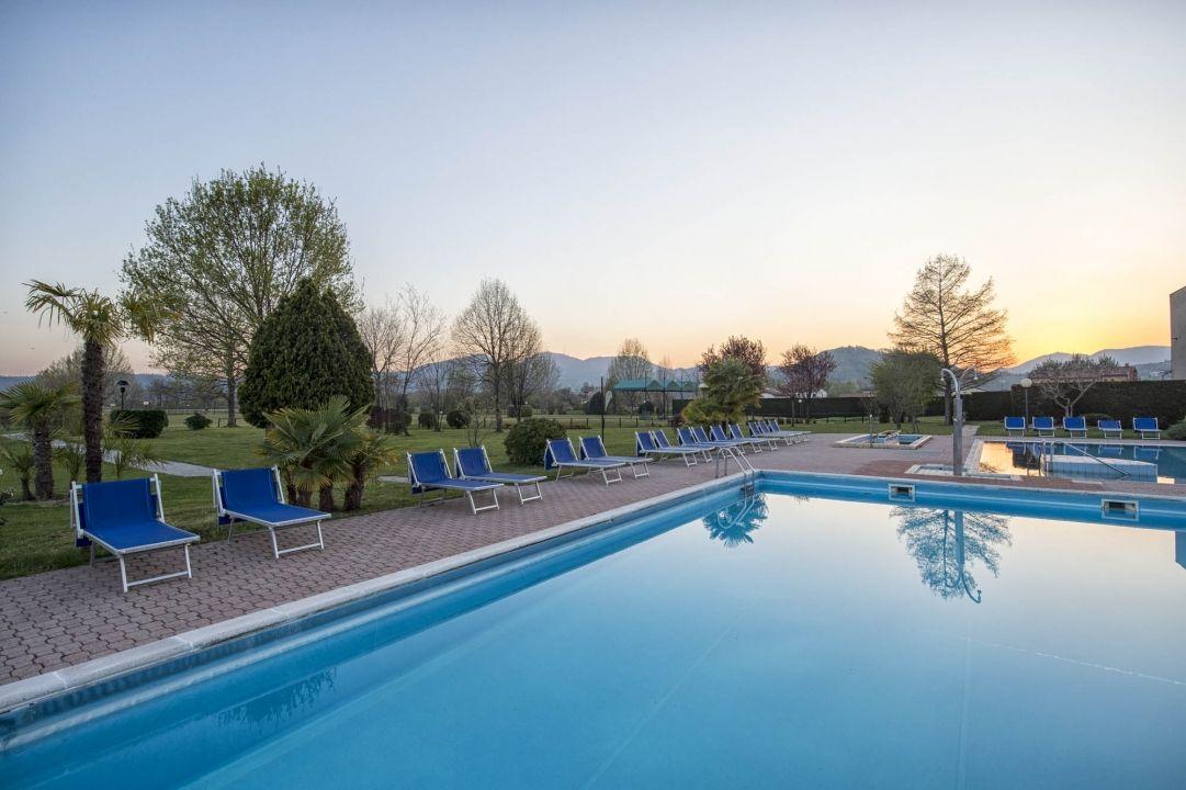 Colli euganei e piscine termali bellaitalia foto esclusive terme abano montegrotto abano - Piscine termali montegrotto ...
