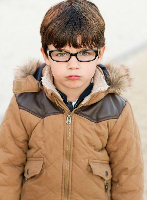 d62386c52f Trucos para hacer fotos niños con gafas. Fotografia de familias Madrid.  www.monicareverte.com