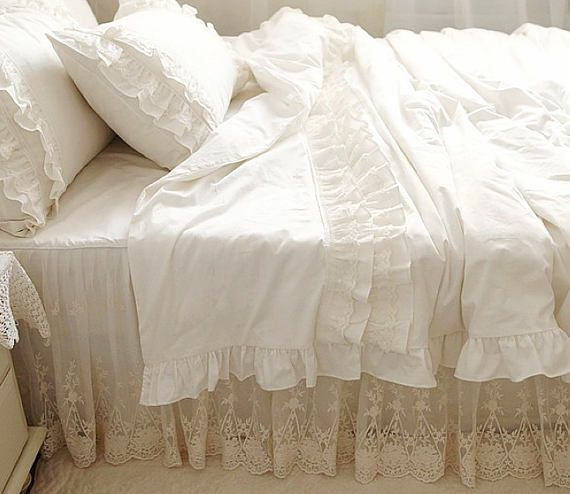 Pin By Shabby Chic Lover On Salvările Mele In 2021 White Lace Bedding Lace Bedding Ruffle Duvet Cover