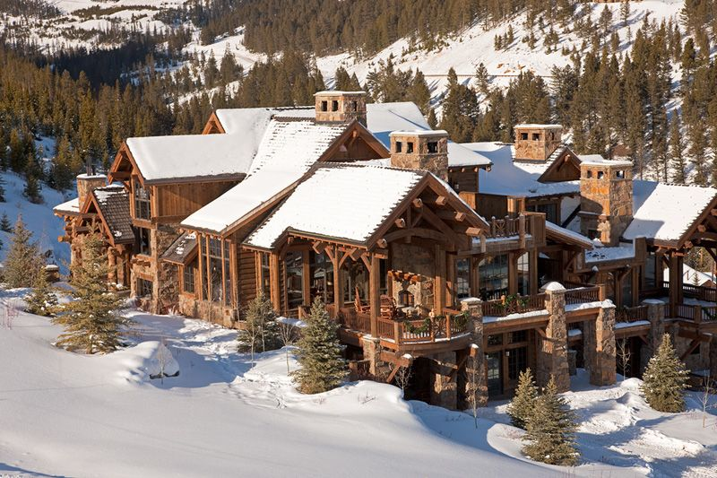 Montana home in the yellowstone club design inspiration Yellowstone log cabin hotel