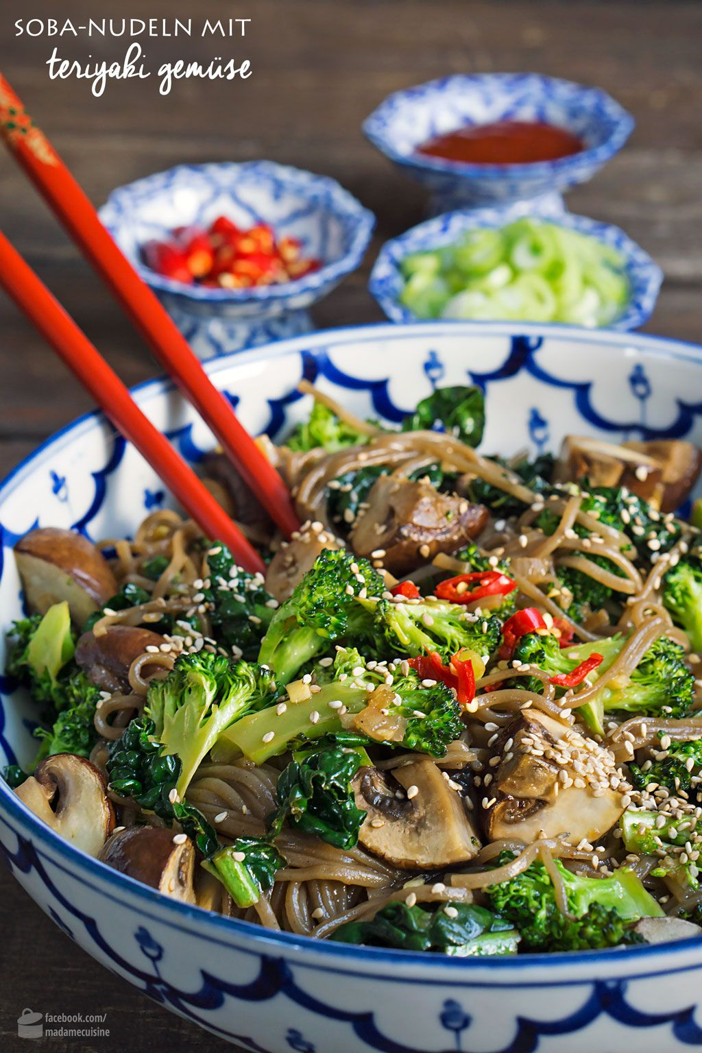 Soba-Nudeln mit Teriyaki-Gemüse - Madame Cuisine