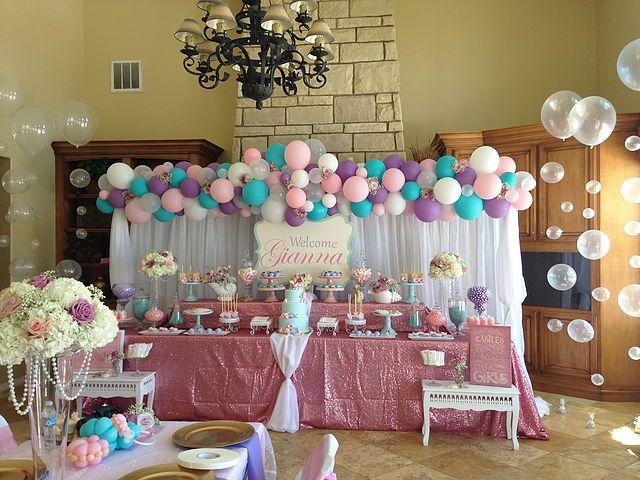 Cathy Olson Balloon Artist Balloon twisting entertainment and