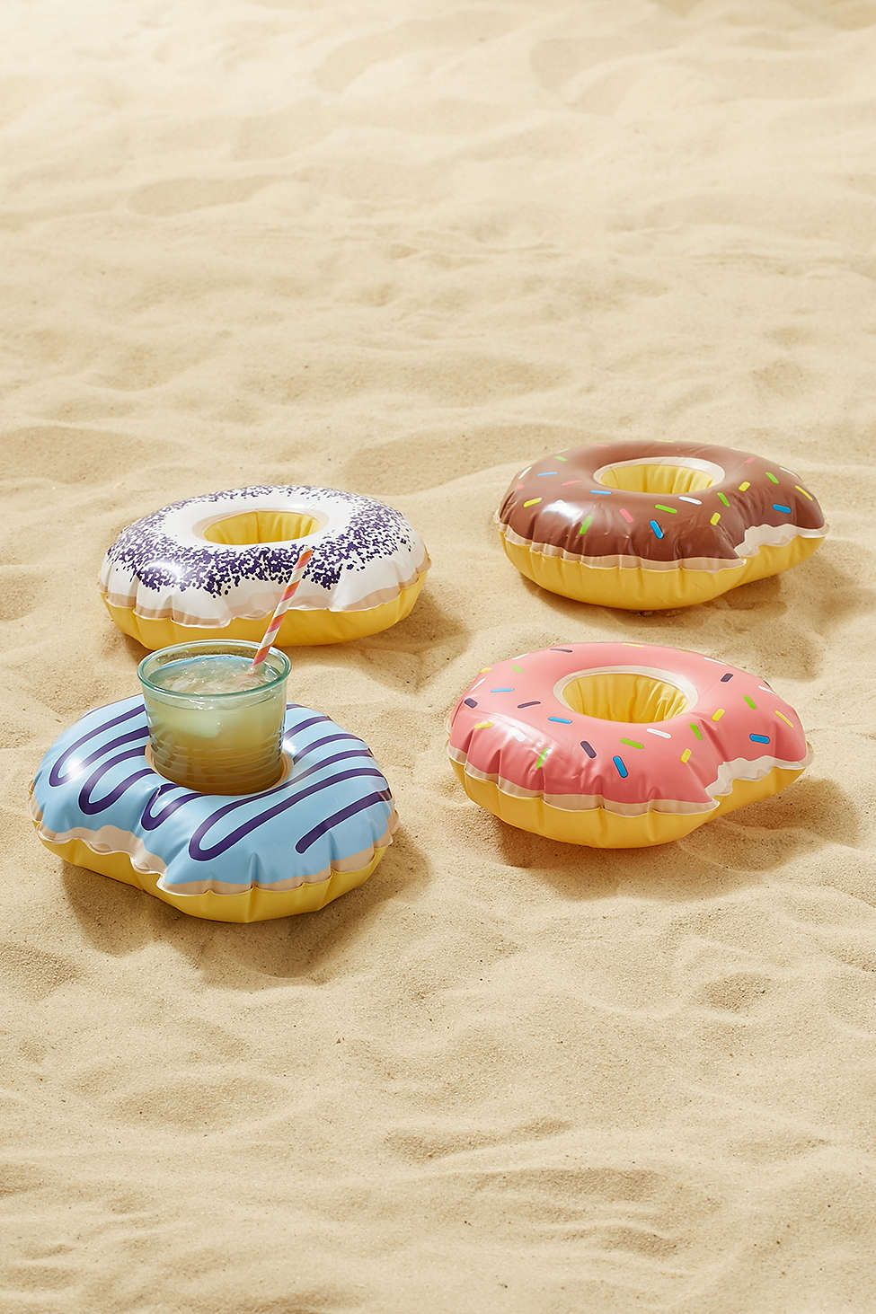 Donut cup holder pool float set let 39 s drink summer for Accesorios para piscinas inflables