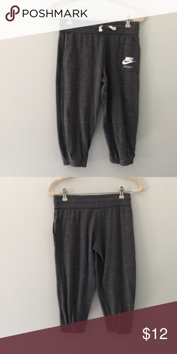 6f6bf222c7b4 Nike Gray heathered crop joggers size xl youth Nice pair of cropped joggers  size xl girls Nike Bottoms Sweatpants   Joggers