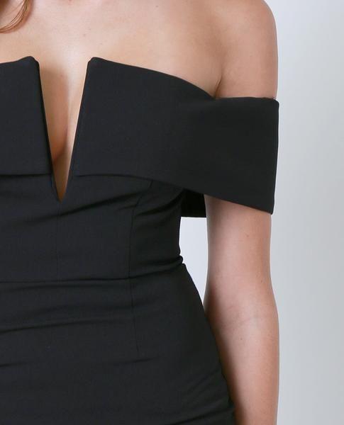 +Non-stretchy off-shoulder midi dress
