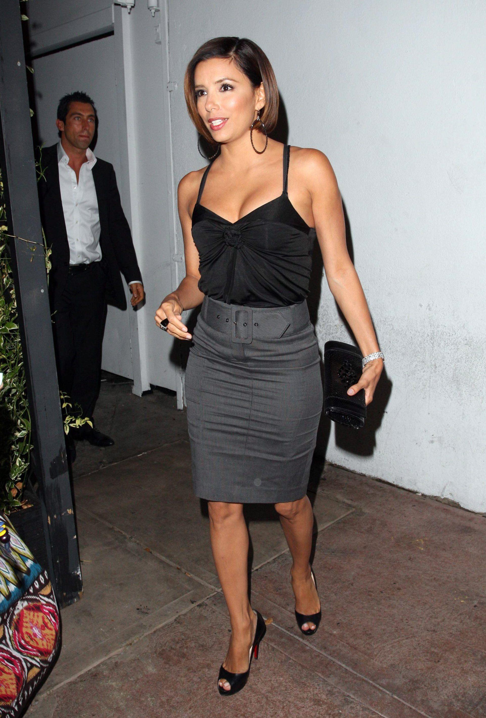 06ebf703dce grey skirt eva longoria