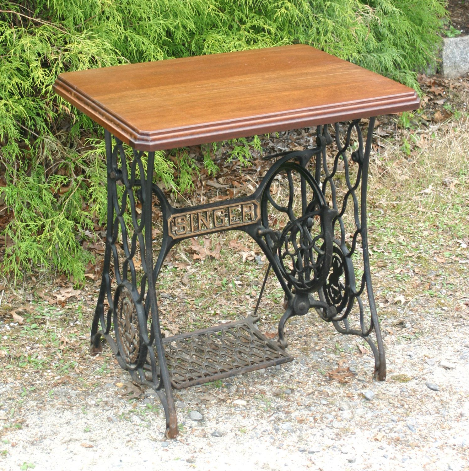 Singer treadle sewing machine cast iron base stand for Repurposed metal furniture