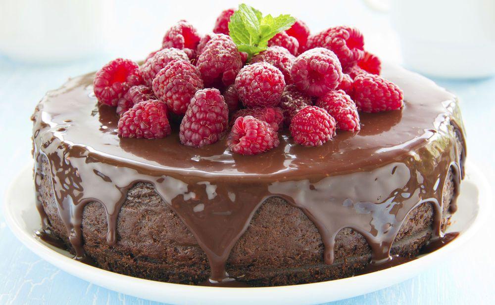 Wer Cheesecake mag wird diese Version mit Schokolade und Himbeeren lieben. Ein absoluter Traum!!!