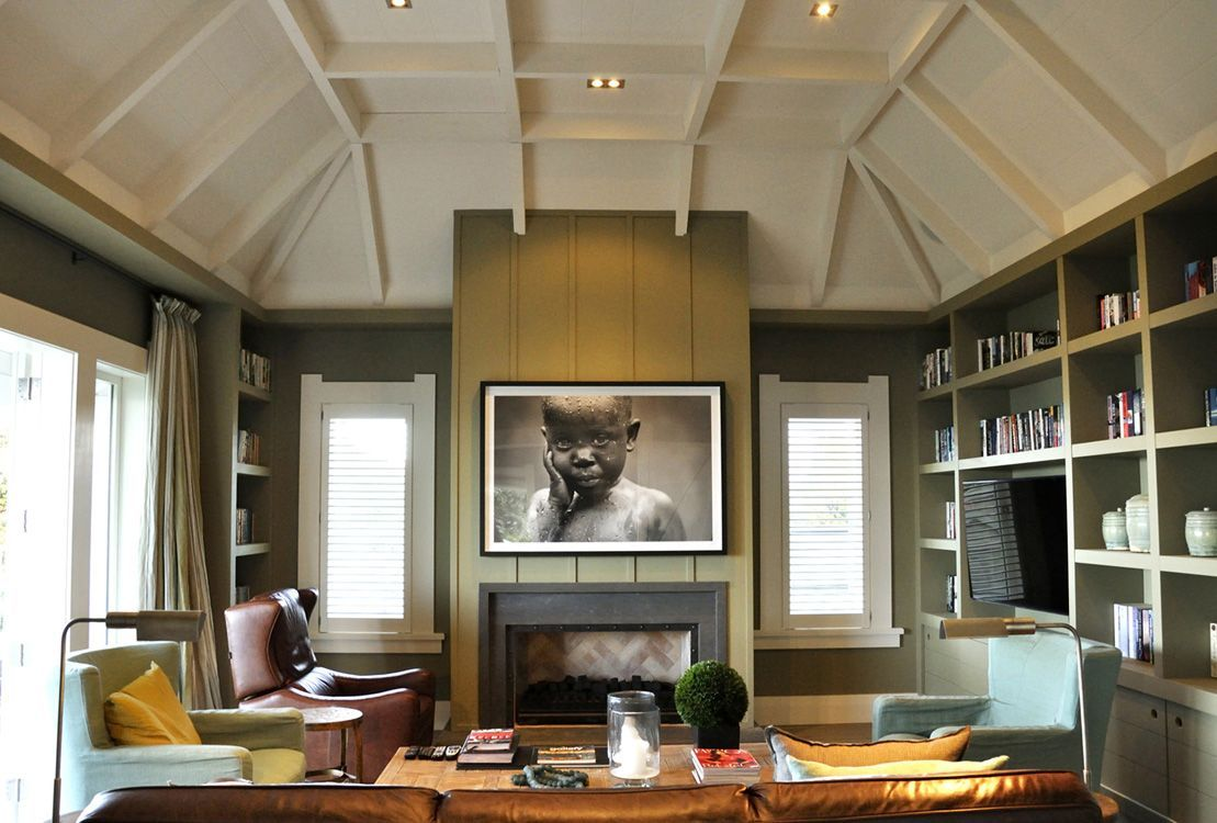 Den/family room/library - vaulted ceiling, gorgeous ...
