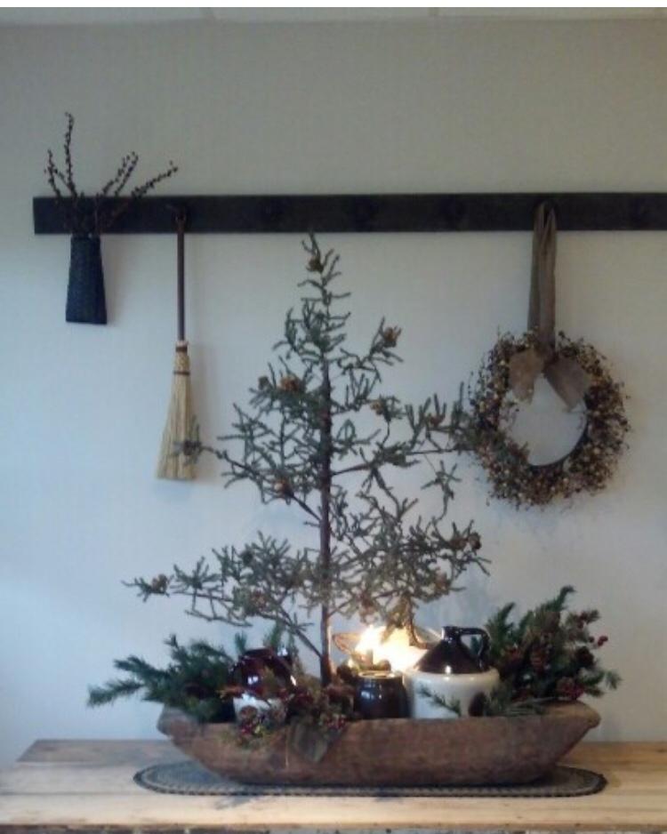Primitive Christmas Decorating