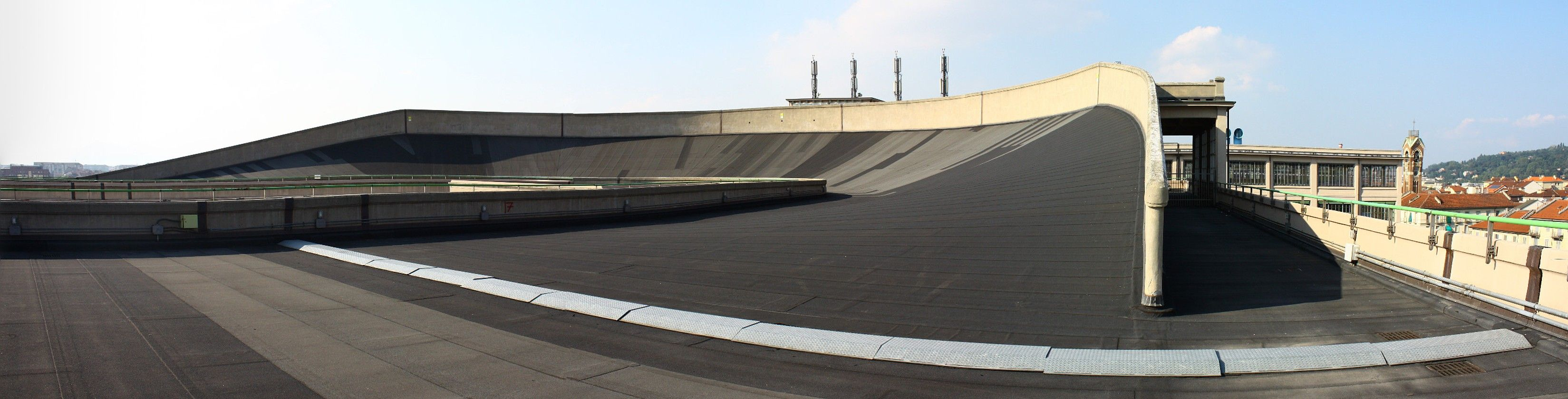 The Banking at the Fiat Lingotto Rooftop Racetrack