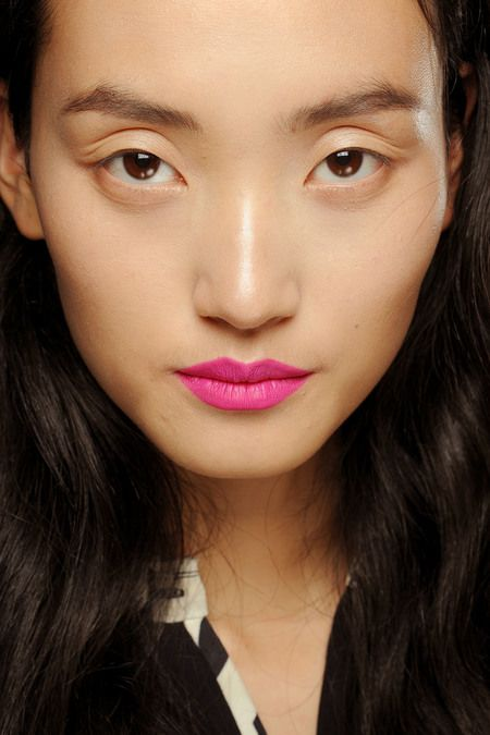 hot pink lips at Giles 2013 rtw