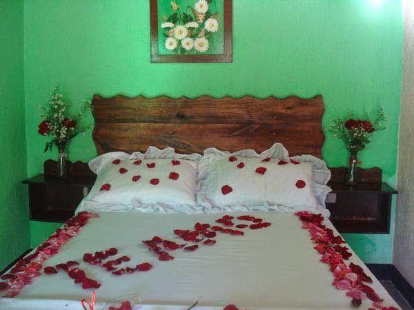 Imagenes para decorar camas y mesas romanticas en san for Cuartos decorados feliz cumpleanos