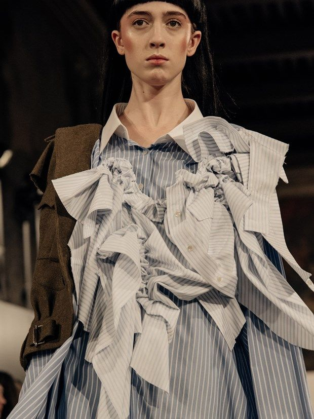 Fashion In Between Artisanal Design And Production Of Fashion