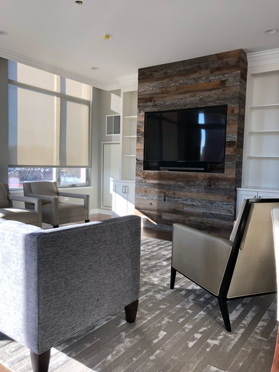 Cladded wall grey brown mix chicago barnwood decore