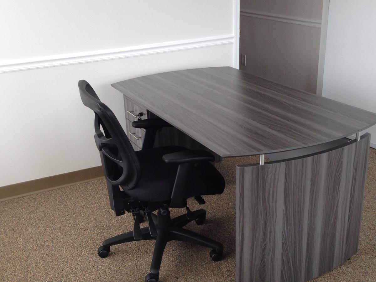 Mayline Medina Desk with Single Pedestal and Alera Task