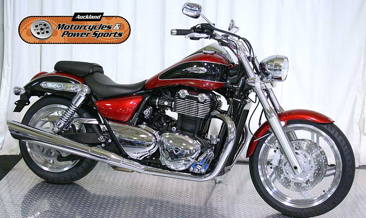 2012 TRIUMPH THUNDERBIRD in Cranberry red At Auckland