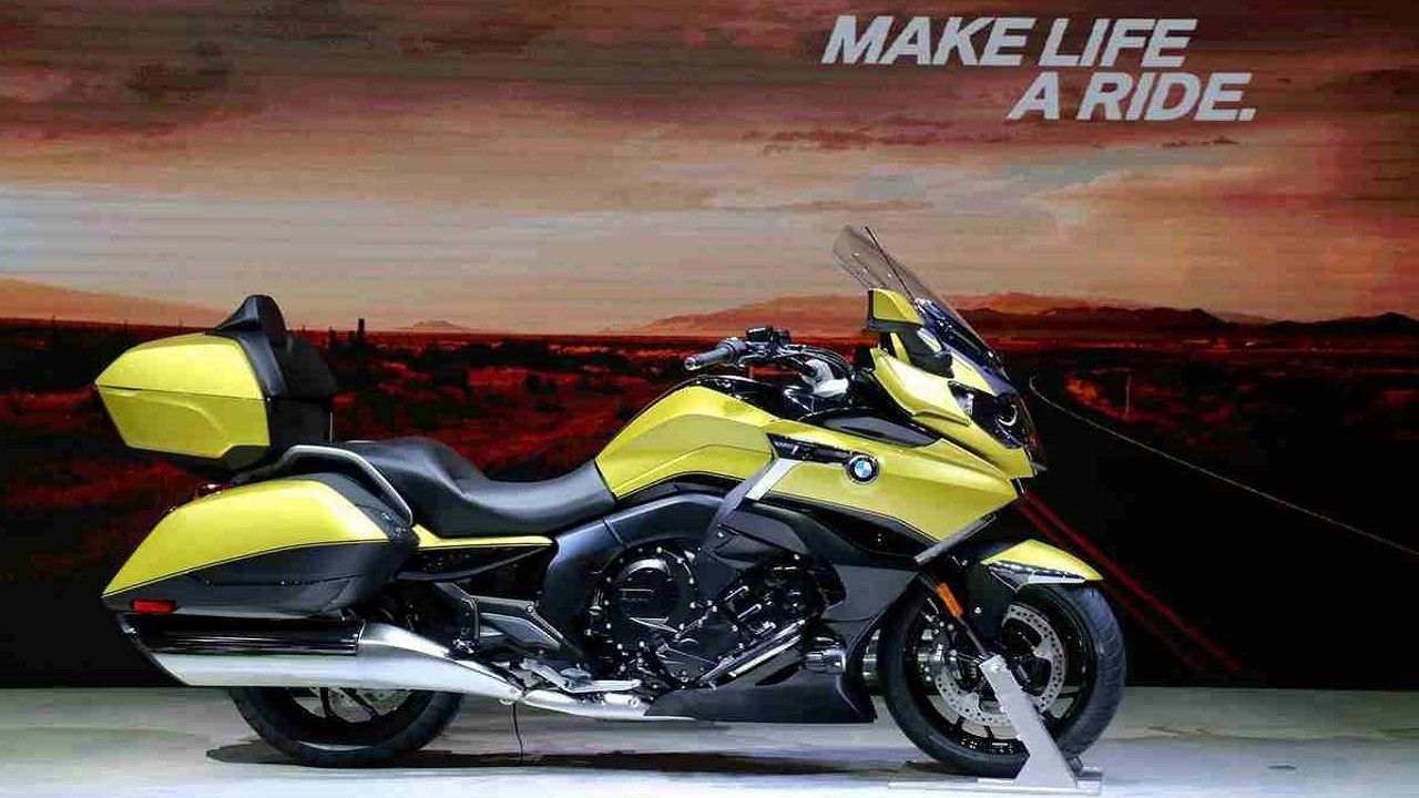Bmw K1600 Grand America Firstly Bmw S 1649cc Beast The K1600 Grand America This Luxury Touring Bike Featured At The Show Has A Bmw Motorcycle Touring Bike